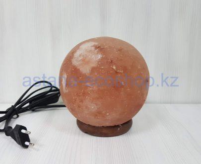Солевая лампа 'Феншуй' (с электрическим шнуром и лампочкой), шар на деревянной подставке, 3 кг (16,8×14,7×14,7 см)