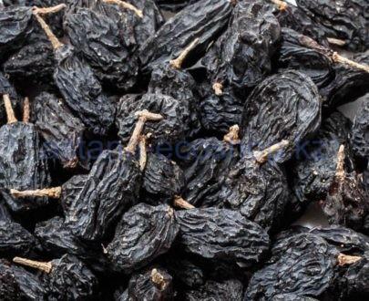 Изюм черный с веточкой — 100 г